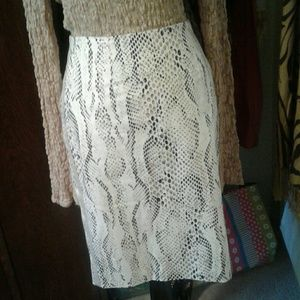 WHITE HOUSE SNAKESKIN PENCIL SKIRT 4